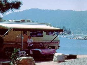 Holloway's Marina & RV Park - Big Bear Lake CA
