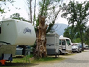 High Sierra RV & Mobile Park - Oakhurst CA