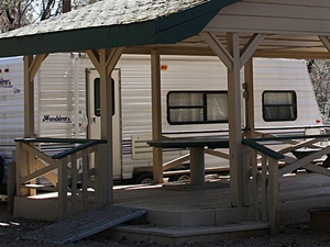 Lakehead Campground & RV Park - Lakehead CA