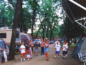 Lakeshore Inn & RV - Shasta Lake CA