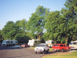 Campus RV Park - Independence MO