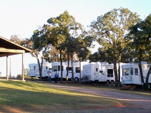 Oak glen rv park in chandler oklahoma find any chandler for Oak glen park