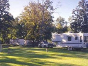 Quiet Oaks RV Park - Kinder LA