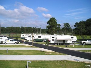 Whispering Meadow RV Park - Westlake LA