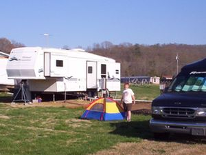 Helton RV Park and Campground - Oliver Springs TN