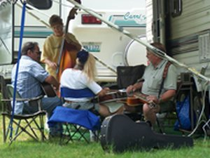 Bluegrass Pickin Time Campground - Dixon g