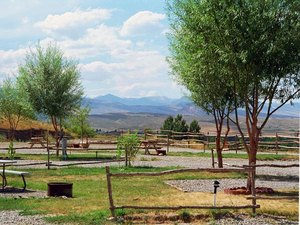 Sleeping Bear RV Park & Campground - Lander WY