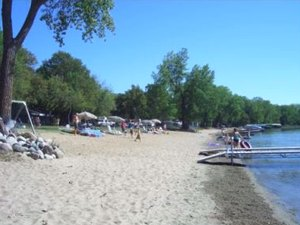 Canary Beach Resort - Villard MN