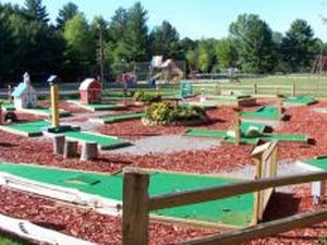 Pineland Camping Park - Arkdale WI